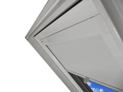 Roleta zaciemniająca do okien dachowych oraz wyłazów SKYLIGHT PREMIUM Vivo 02 1