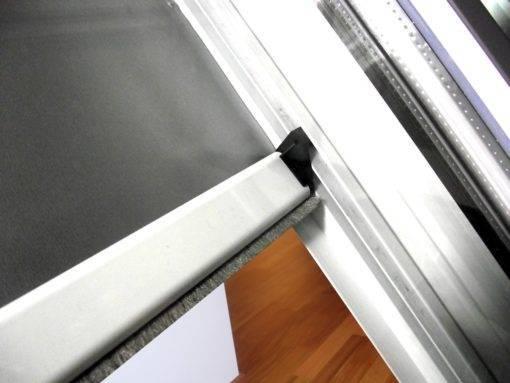 Roleta zaciemniająca do okien dachowych oraz wyłazów SKYLIGHT PREMIUM Vivo 03 1