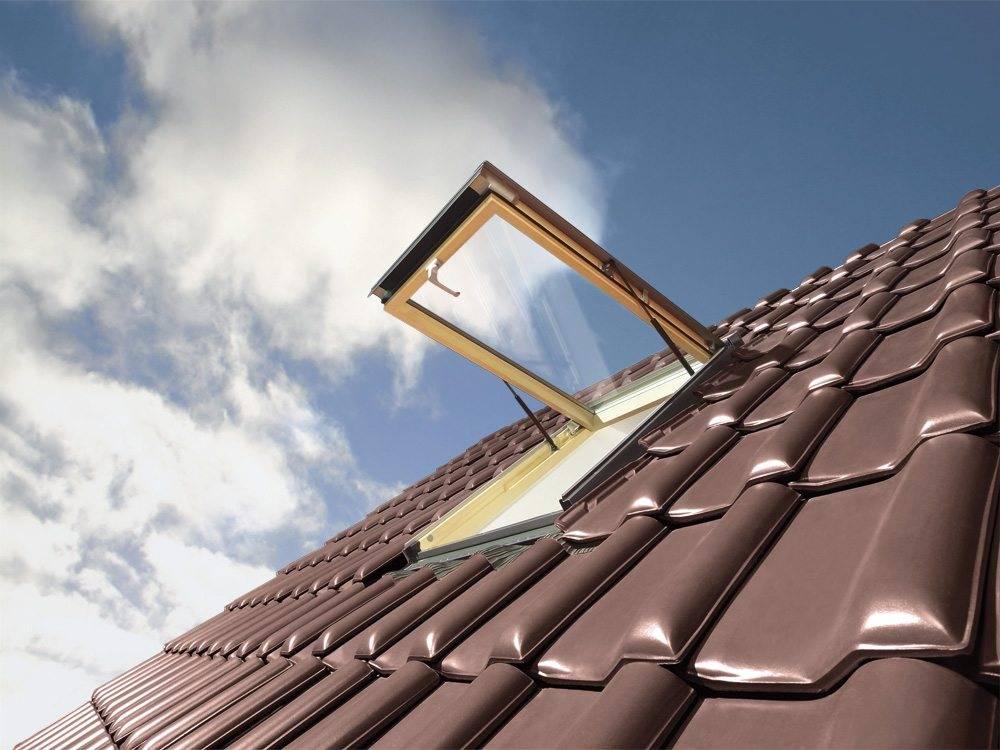 Klapowe okno dachowe OptiLight VK - widok od strony dachu
